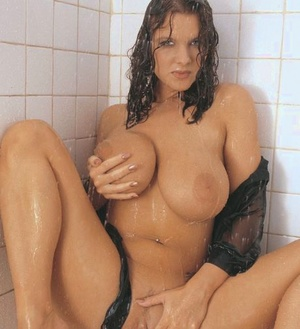 Big Boobs Shower Pics